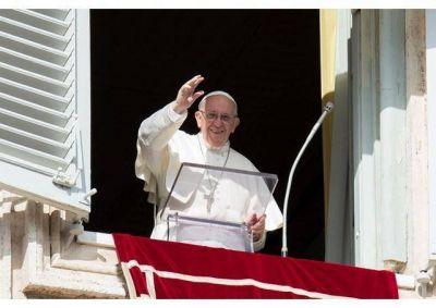 Ángelus del Papa en la I Jornada Mundial de los Pobres