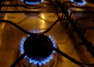 "Tildan de ""irracional e insostenible"" el aumento en la tarifa del gas"