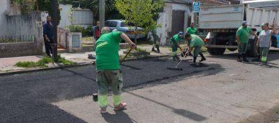 Nuevo operativo de bacheo y limpieza en Lanús Este
