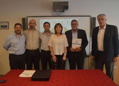 El Conicet firmó convenios para sanear el agua en tres distritos bonaerenses