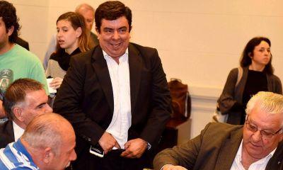Espinoza se apoya en los intendentes del interior para retener el PJ