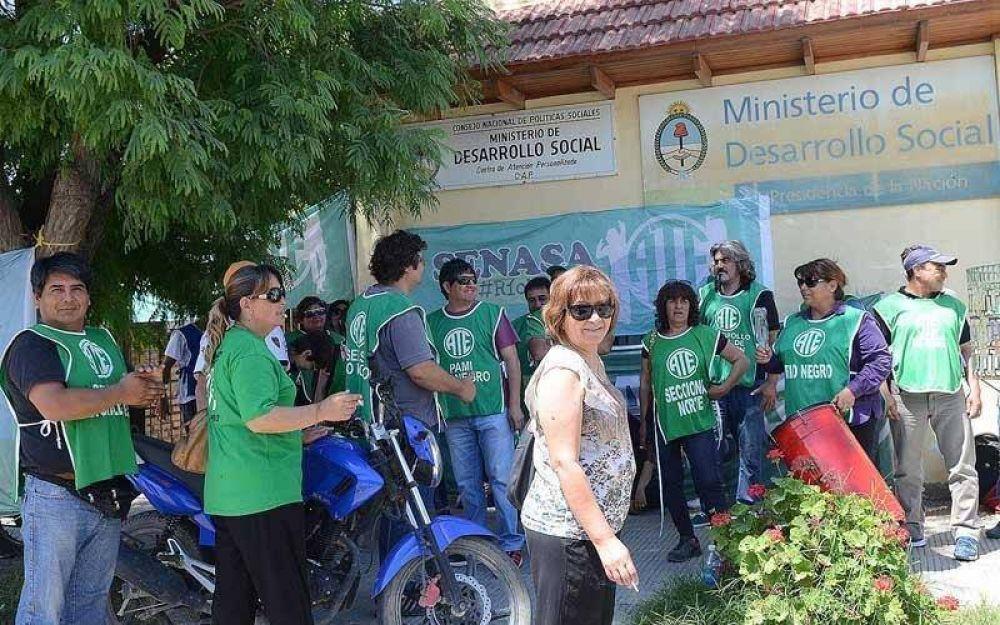 ATE también quiere regularizar becados en Desarrollo Social de Nación