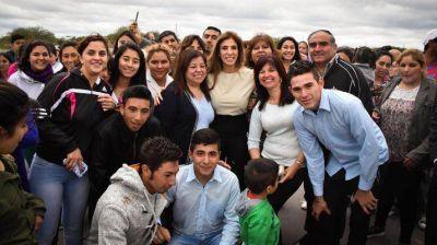 La Gobernadora inauguró obras en Chaupi Pozo