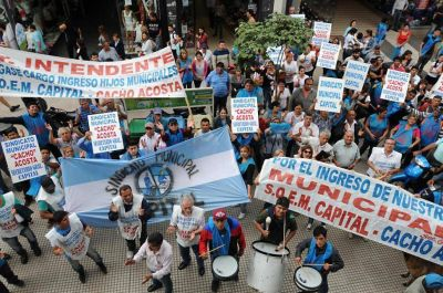 Municipales de la capital reclaman paritarias