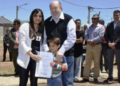 """Verna: """"No les puedo prometer más viviendas"""""""