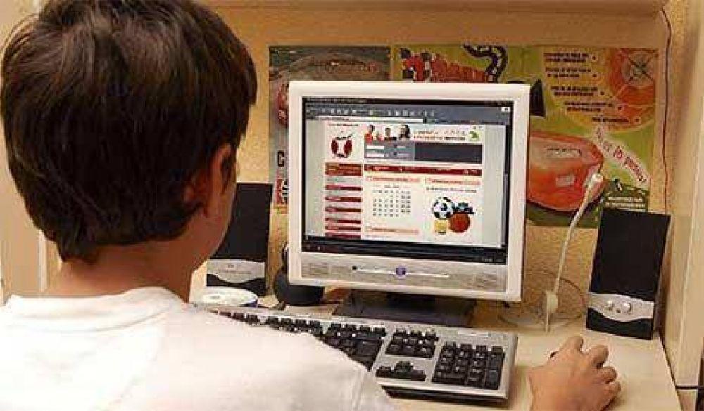 Los jóvenes no son concientes de los riesgos en internet