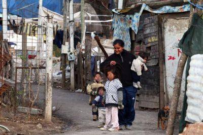 Un matrimonio con dos hijos necesita $15676 para no ser pobre