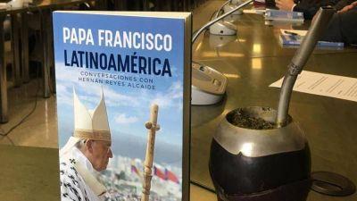 """El Papa pensó escribir la Laudato si' cuando visitó la """"Tierra de los fuegos"""""""
