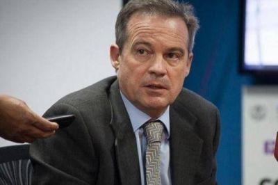 """Denuncian que hay un """"pacto político"""" para salvar a un fiscal acusado por delitos de lesa humanidad"""