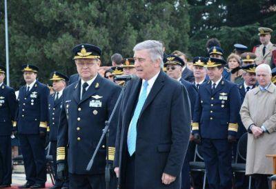 Oscar Aguad y la Armada, en la mira