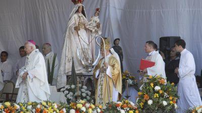 Miles de fieles participaron de la beatificación de la Madre Catalina