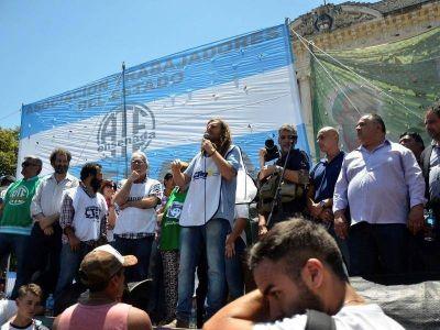 Más de 60 gremios y organizaciones sociales marcharon a Gobernación en rechazo a la reforma laboral