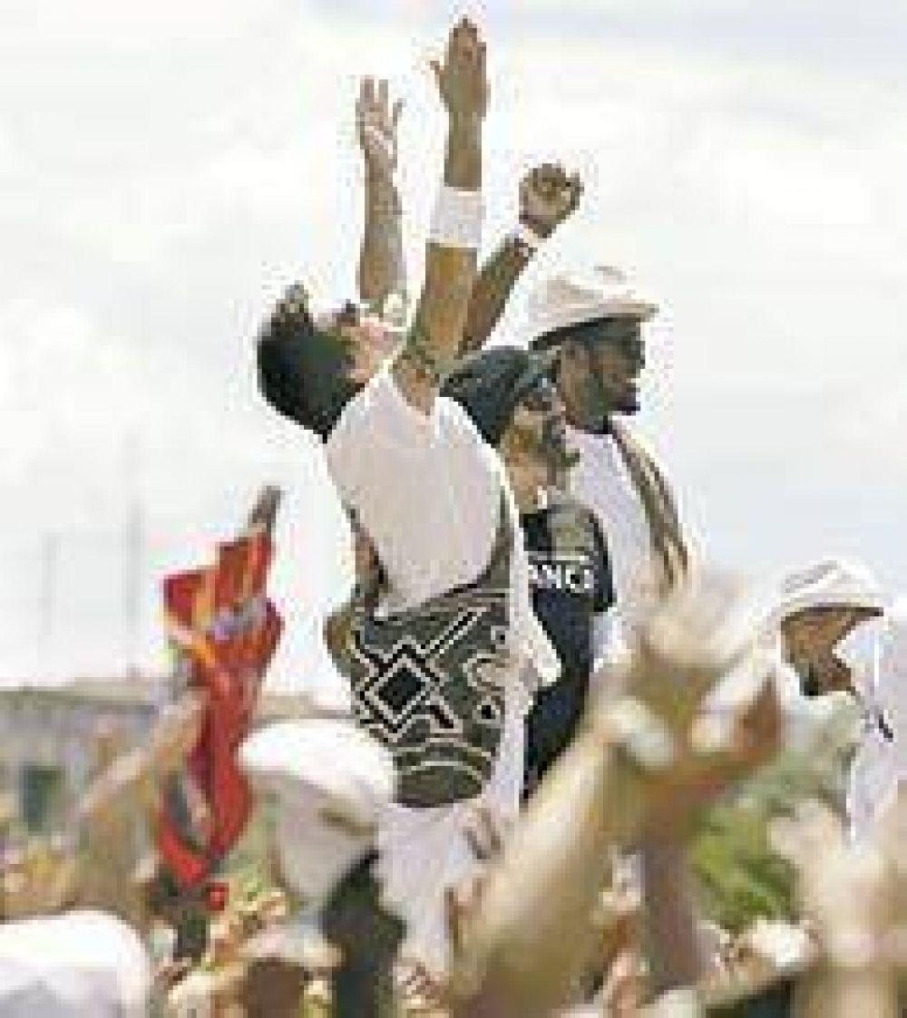 Más de un millón de personas vibraron en La Habana con un polémico recital por la paz