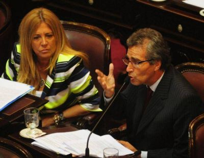 El uñaquismo contendrá a los dos senadores que vienen del giojismo