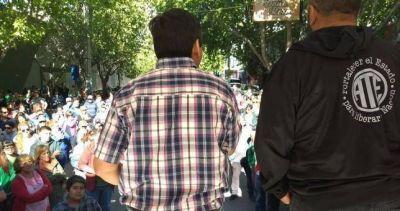ATE Neuquén continúa el paro por tiempo indeterminado y diseña ollas populares y cortes de ruta