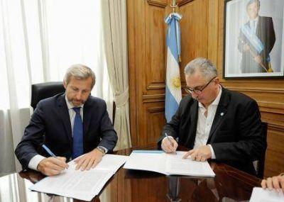 Misiones firmó convenio para mejoras en los municipios