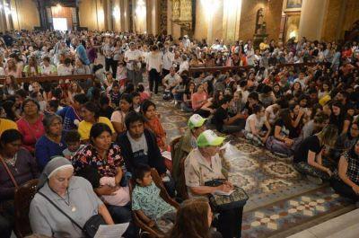 Multitudinaria misa de acción de gracias por la beatificación de la Madre Catalina