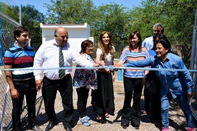 La gobernadora inauguró una planta potabilizado de agua en Campo Nuevo