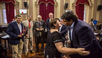 Debate por carencias de la gente y por el caso mapuche