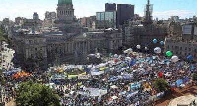 Paro y movilización obrera al Congreso contra la reforma laboral