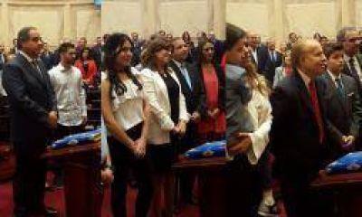 Juraron Martínez, Brizuela y Doria y Menem en el Senado
