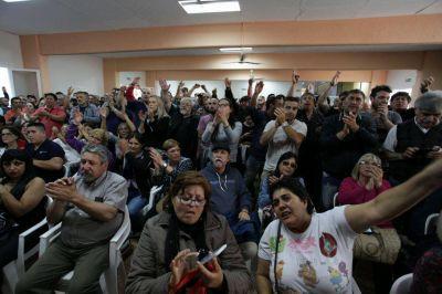 """Municipales: facultan a la cúpula a parar ante """"medidas de ajuste"""""""