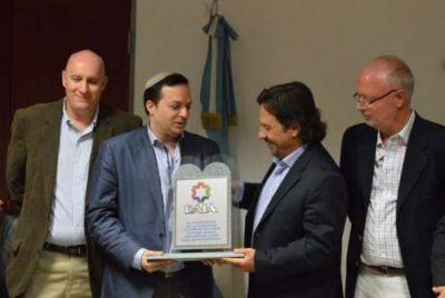 Sáenz acordó trabajar en conjunto con la DAIA