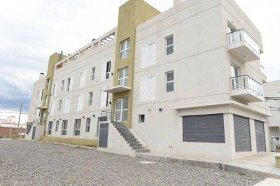 Urtubey entregó viviendas a setenta y cinco familias en El Huaico