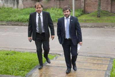 Dos ediles peronistas se aliaron a los tres concejales camperistas