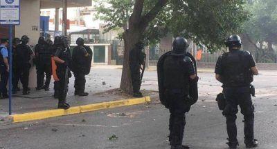 Violento desalojo en Neuquén contra trabajadores estatales