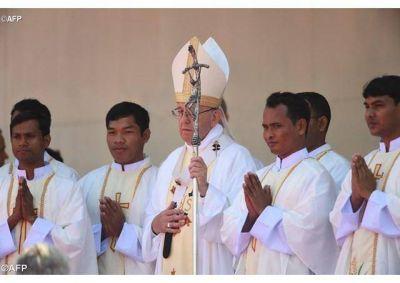 El Papa a nuevos presbíteros en Bangladés: