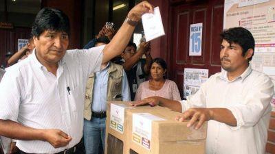Bolivia: eligieron a los jueces en una polémica votación