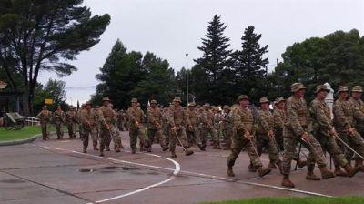 Fuerzas Armadas: creció la cantidad de oficiales a pesar de la falta de recursos