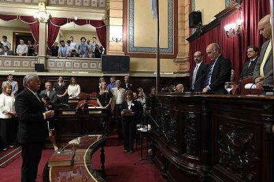 Juraron los senadores bonaerenses electos y se designaron las nuevas autoridades