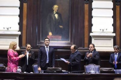 Roberto Rago presidió la sesión de Diputados