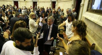 La oposición reeligió a Monzó, pero le pidió sesionar más seguido