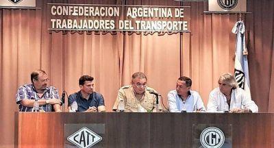 Gremios del transporte rechazaron las reformas del Gobierno y evalúan medidas de fuerza