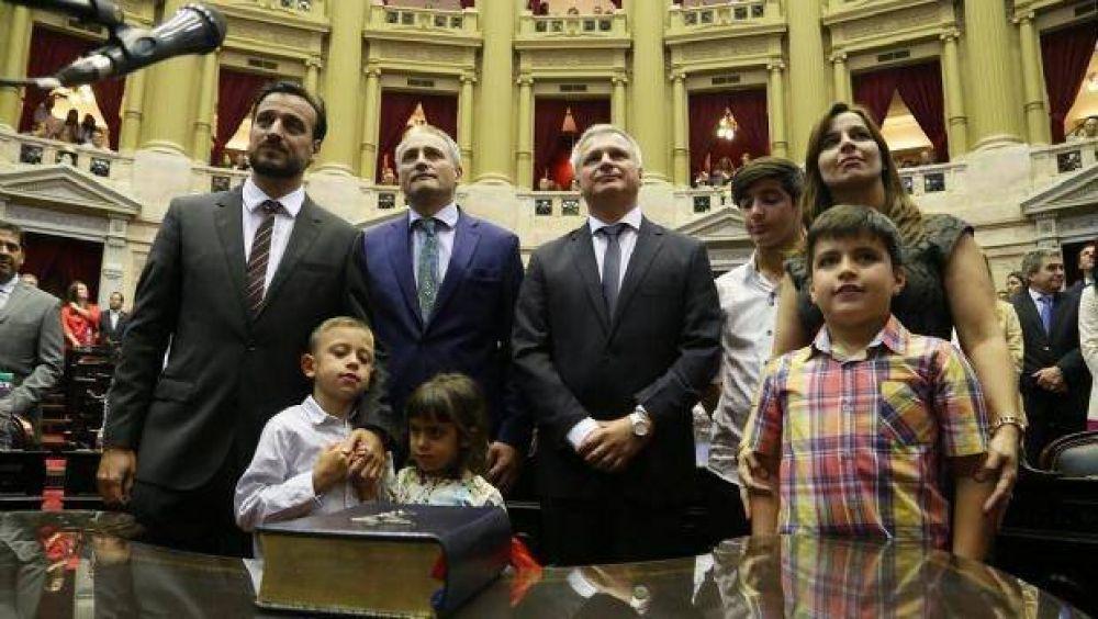 Juraron los diputados cordobeses: Llaryora fue elegido vicepresidente