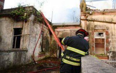 San Fernando: Sospechan que el incendio del Palacio Belgrano pudo ser intencional