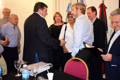 Frigerio se reunió con los intendentes justicialistas de Entre Ríos en Concordia