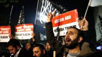 Nueva oleada de críticas a Donald Trump de aliados europeos y del mundo árabe