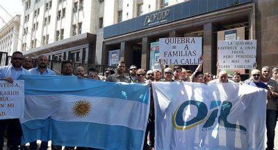 Trabajadores de Oil piden a Abad que apruebe propuesta de OP para preservar puestos de trabajo