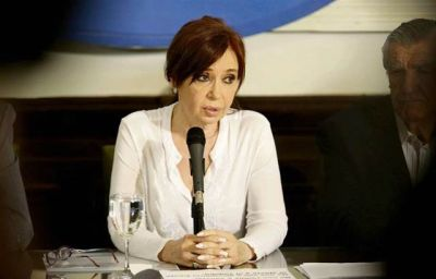 Cristina desembarca en el Senado bajo la sombra del desafuero