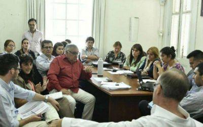 Con modificaciones, avanzan proyectos de Presupuesto y Tributaria 2018