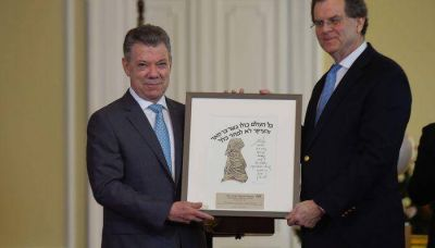 AJC reúne a líderes de las comunidades judías latinoamericanas y premia al presidente colombiano Juan Manuel Santos