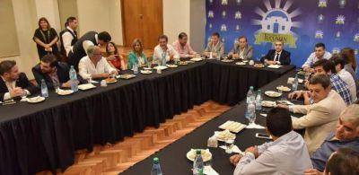 El intendente Germán Alfaro recibió a los concejales de la Capital