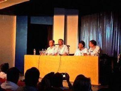 En un multitudinario acto, Héctor Baldassi cerró el año en Carlos Paz