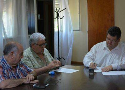 El intendente Nedela firmó un convenio con ATE Berisso por el pago de retenciones gremiales