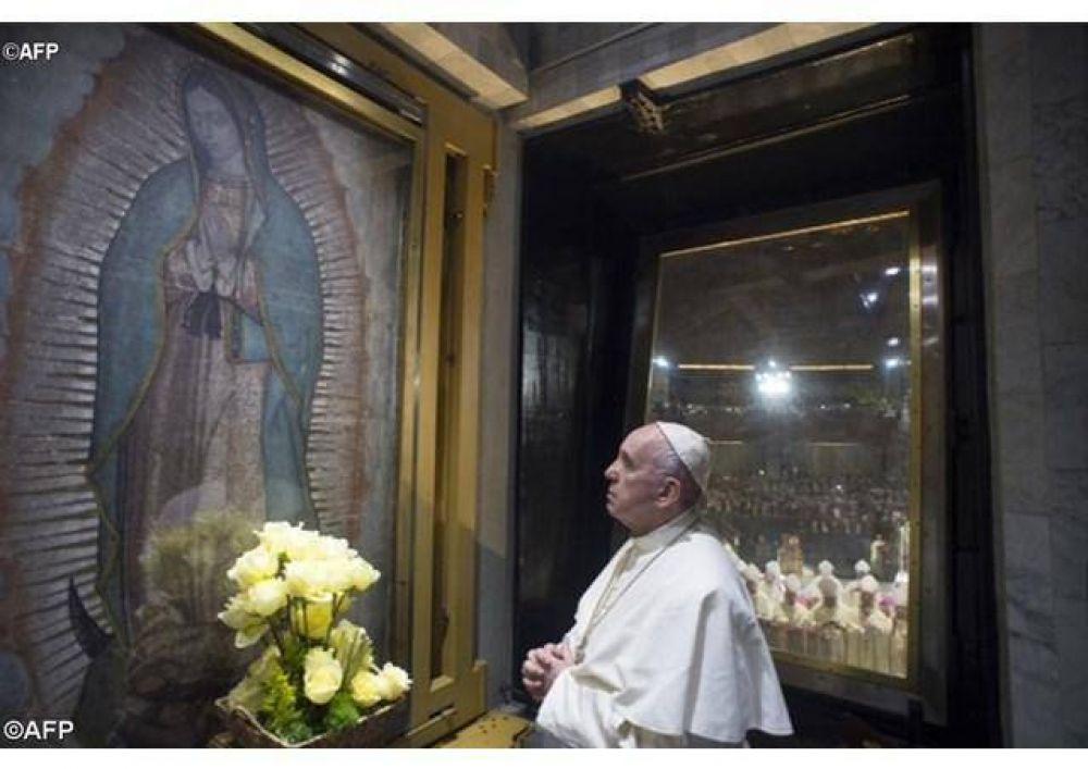 Acaso no estoy yo aquí que soy tu Madre, recordó de María de Guadalupe el Papa en su santuario