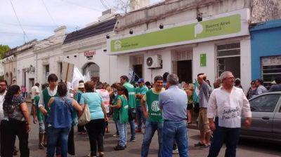 Trabajadores estatales protestaron contra la reforma previsional